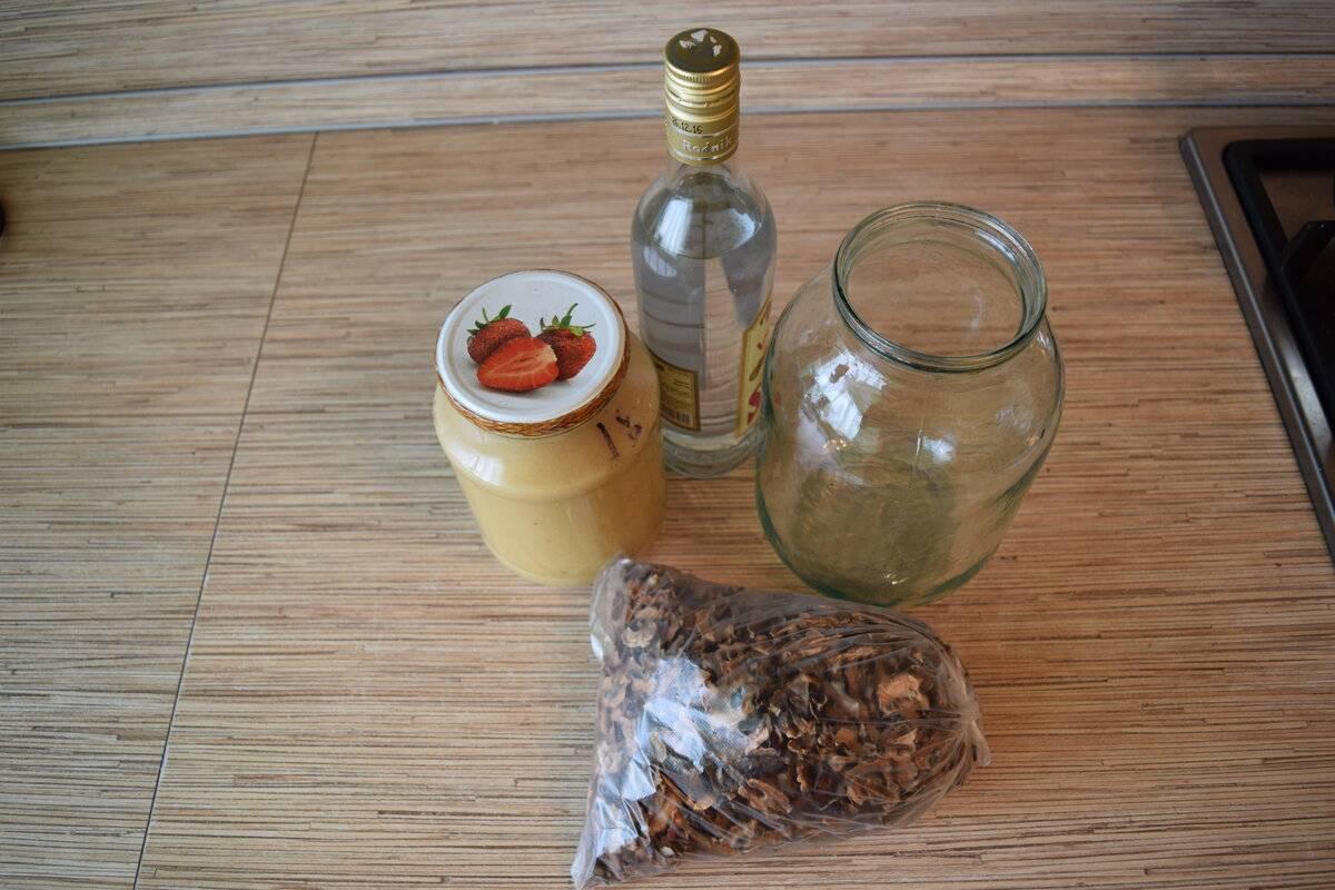 Приготовление настойки на перегородках грецкого ореха на самогоне