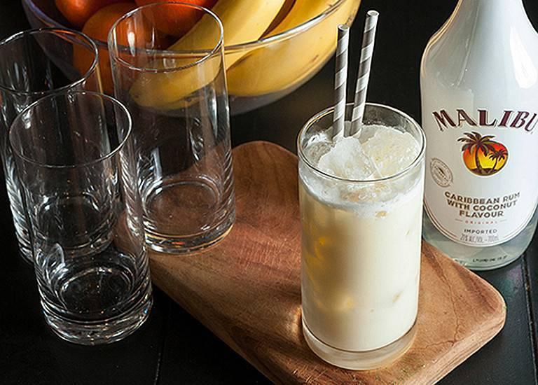 С чем пить ликёр малибу: история возникновения, рецепты алкогольных напитков из malibu