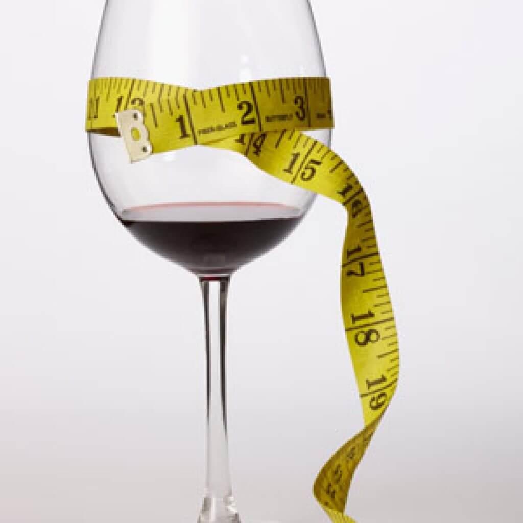 Почему нельзя пить алкоголь во время диеты