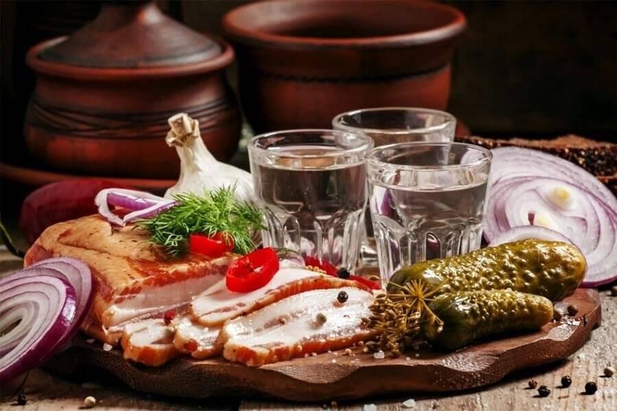 Пища и напитки, помогающие восстановиться во время похмелья