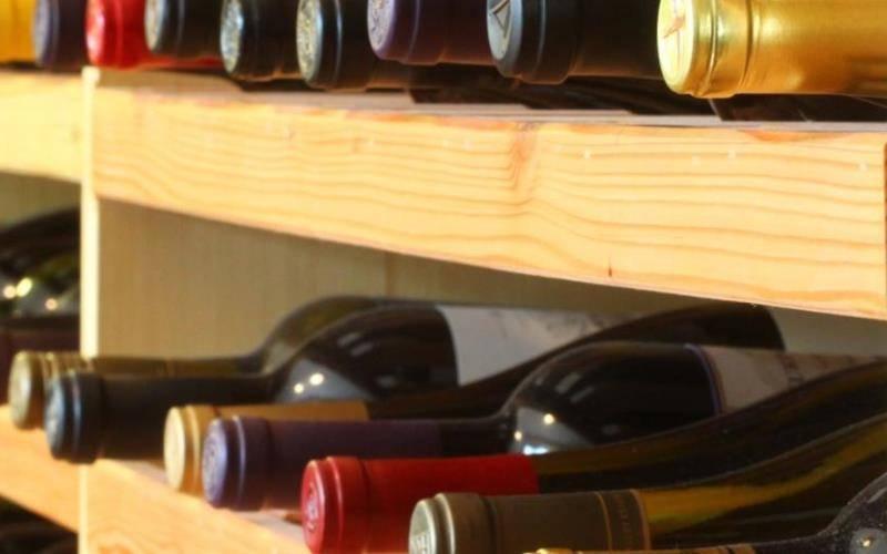 Как хранить домашнее вино в банках