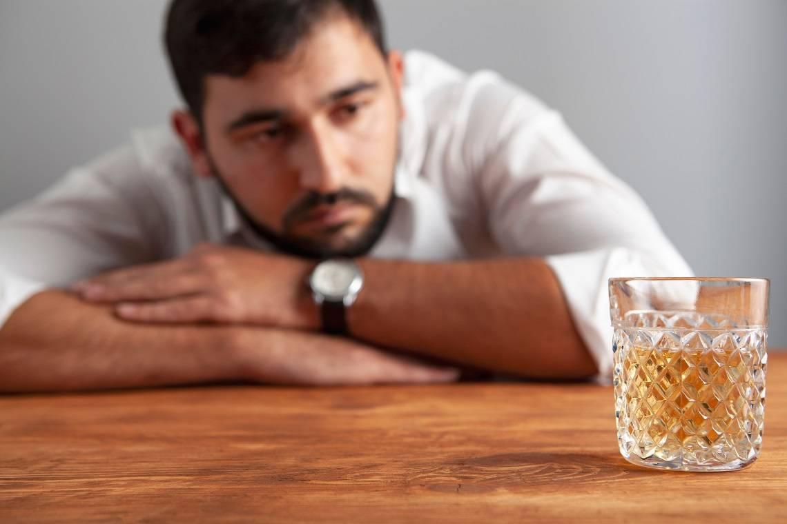 Как быстро отрезветь от алкоголя доступными методами в домашних условиях
