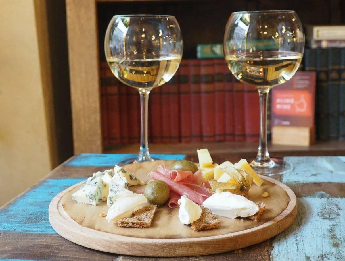 Вермуты мартини: вино или шампанское, сухие или игристые, в чём отличия?