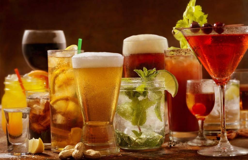Аперитив и диджестив: в чем разница и как пьют итальянцы