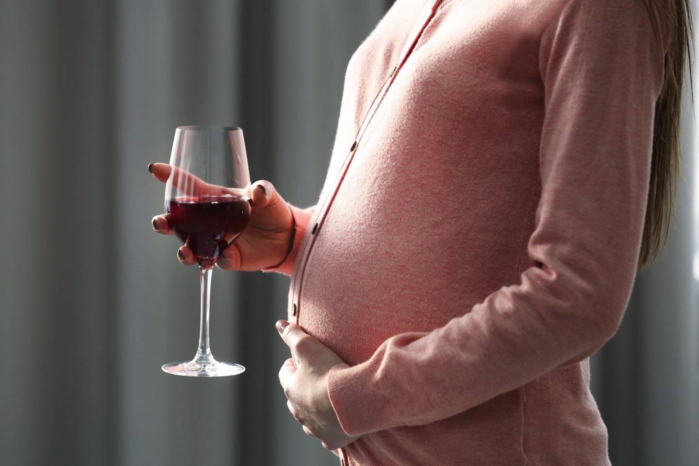 Ск вина можно выпить беременной. все за и против в вопросе: можно ли выпить вина беременной