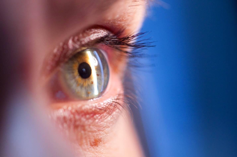 Катаракта: симптомы и лечение патологии в разном возрасте