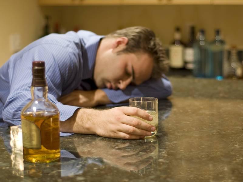 Смерть от алкоголя: симптомы, статистика, с таблетками, лекарствами