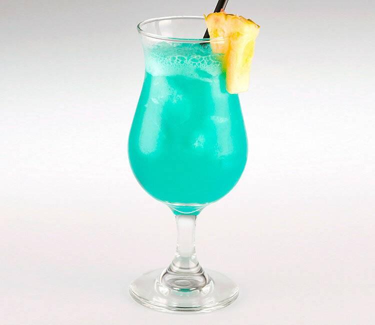 Рецепт приготовления коктейля голубые гавайи. рецепт коктейля голубые гавайи