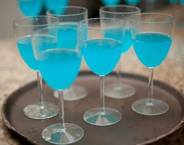Как сделать коктейль голубая лагуна: состав, рецепты приготовления