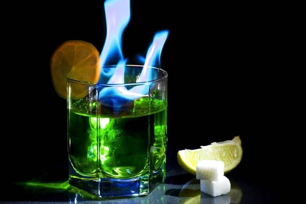Рецепт абсента в домашних условиях из самогона. почему абсент зеленый? как пить абсент