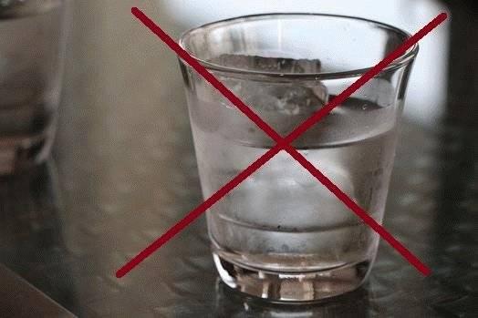 Водка с солью: от чего помогает, применение при отравлении, от поноса, рецепты приготовления с перцем, противопоказания к употреблению